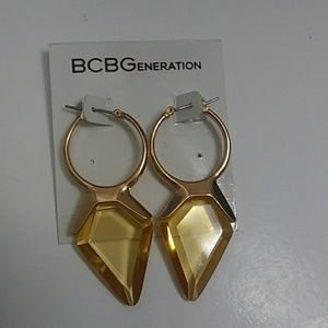 BCBG EARRINGS